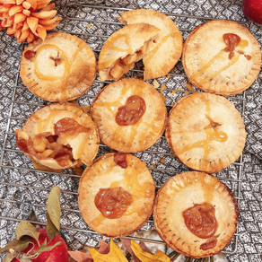 This Fall you are Going to Fall in Love: Pretty Plate's Easy Peasy Air Fryer Caramel Apple Hand Pies