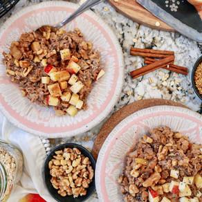 Wake up and Smell the Cinnamon Apples: Superfood Cinnamon Apple Walnut Oatmeal
