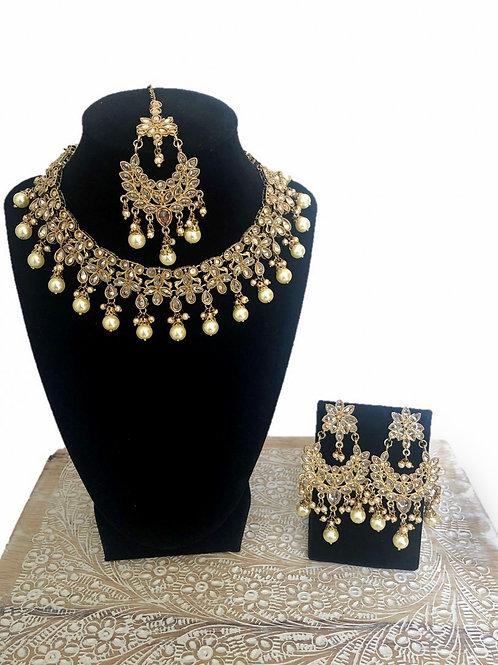 Chetna necklace