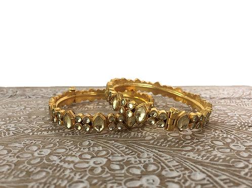 Thin kundan bangles with screw fastener