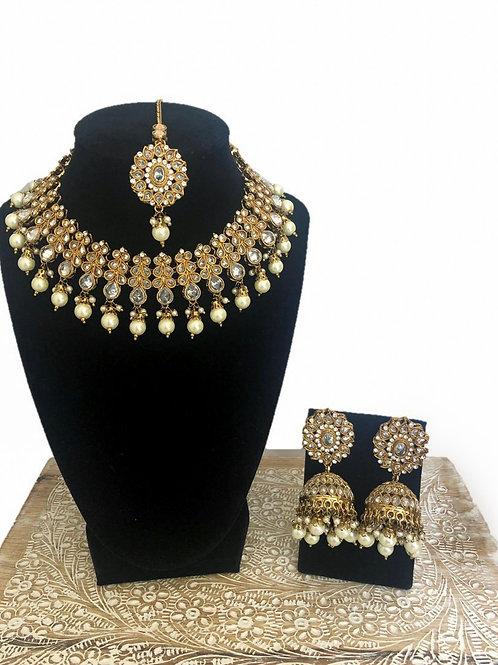 Deepa moti necklace
