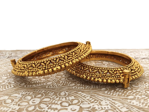 Antique bangles with screw fastener