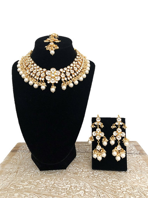 Parul necklace