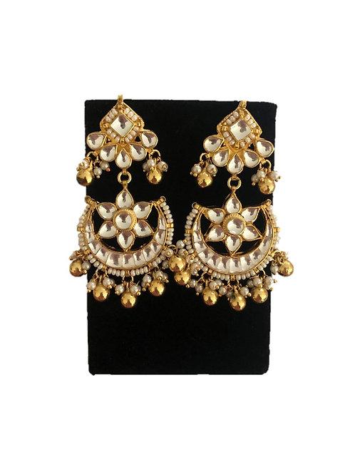 Chhaya kundan earrings