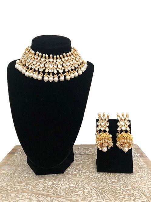 Anvita moti necklace