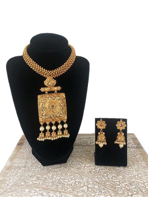 Aparna necklace