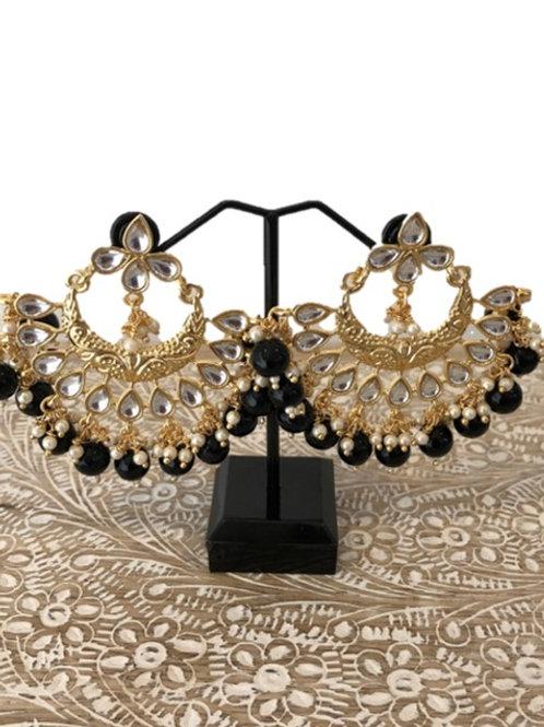Black fan design earrings