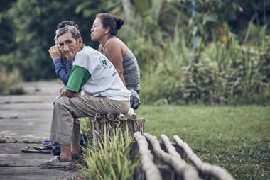 Local Mishana Community Members Relaxing in Nature - Ayahuasca Plant Spirit Healing Retreats & Noya Rao Initiation Dietas