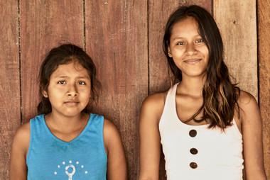 Cynthia & Angie - Hanging out in the Mishana Community in the Amazon Rainforest- Casa Galactica - Ayahuasca Retreats & Noya Rao Dietas