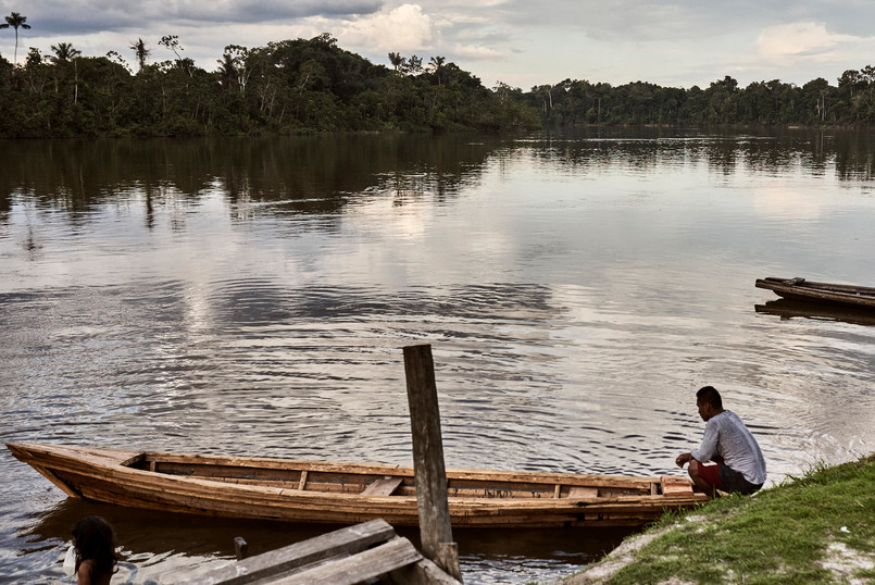 Making a Boat From Wood in the Amazon Jungle - The Mishana Community are Resourceful!