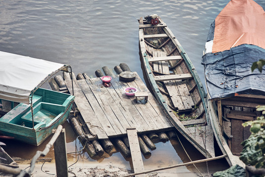 How do indigenous communities transport goods in the Amazon. by boat  of course! - Casa Galactica