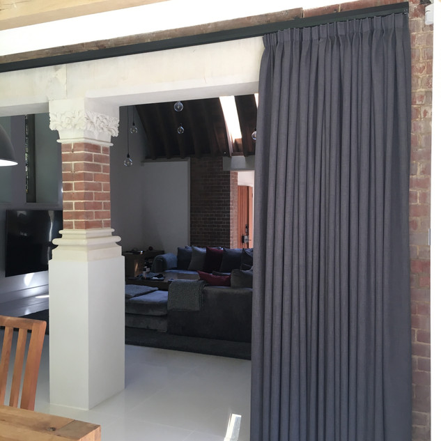 Double sided single curtain with pencil pleat heading
