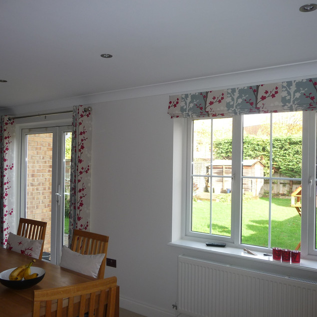 Eyelet curtains and matching blind