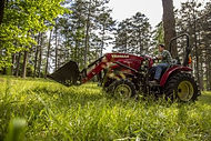 The advanced styling of the Yanmar YT2 Series tractors is only the beginning. The YT235 is built to help you be more efficient and productive. Every day. From easy-to-use controls to the advanced engineering under the hood, the innovation of the YT235 goes much deeper than stunning aesthetics.