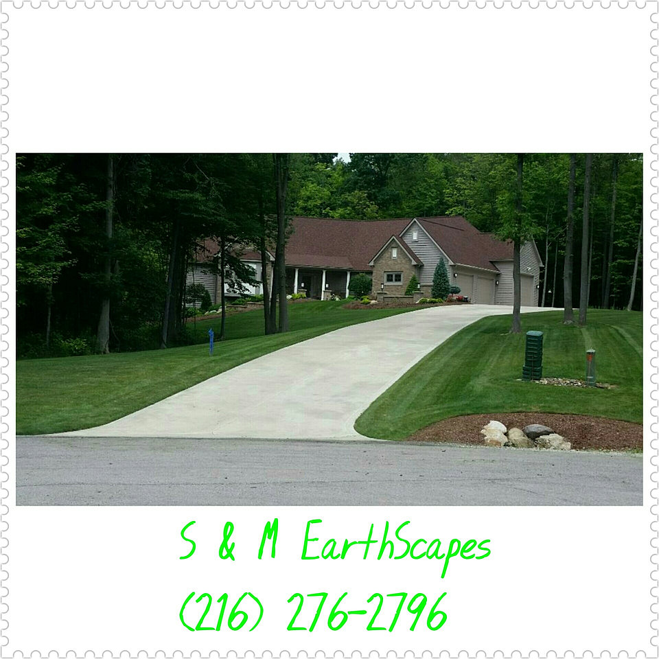 S M Earthscapes Landscaping Middleburg Heights Oh