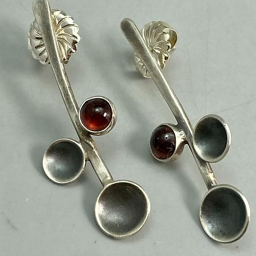 Garnet Stem earrings
