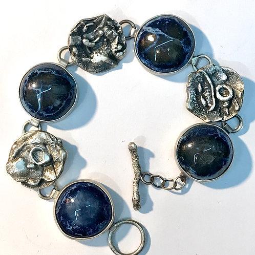 Blue swirl link bracelet