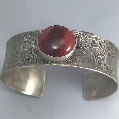 Leaves etched cuff-peachbloom