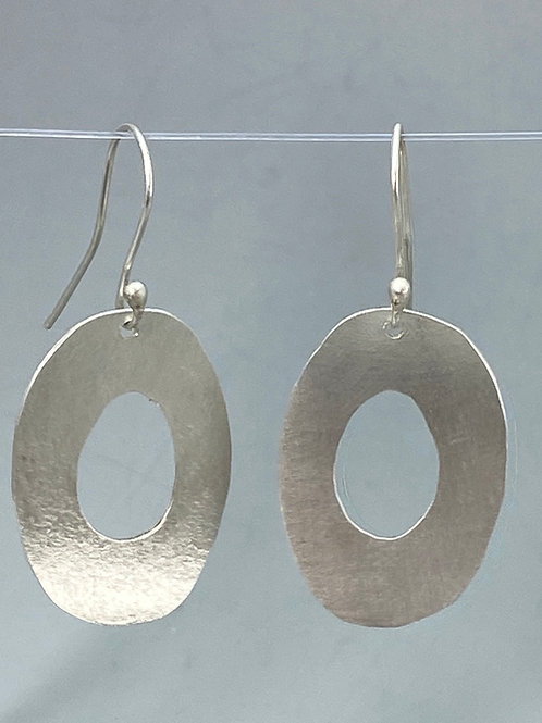 Brushed textured oval hoops