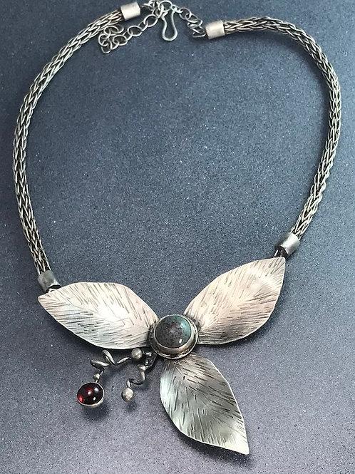 Large leaf necklace