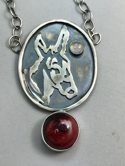 DONKEY Necklace with copper red and mobstoneo