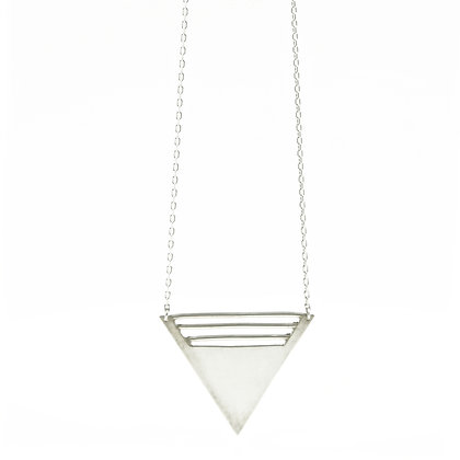 Collier triangle paralléle