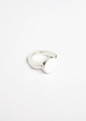 Round enamel ring