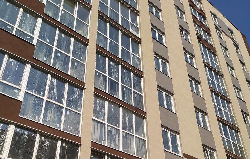Панорамное остекление лоджий на средних этаж