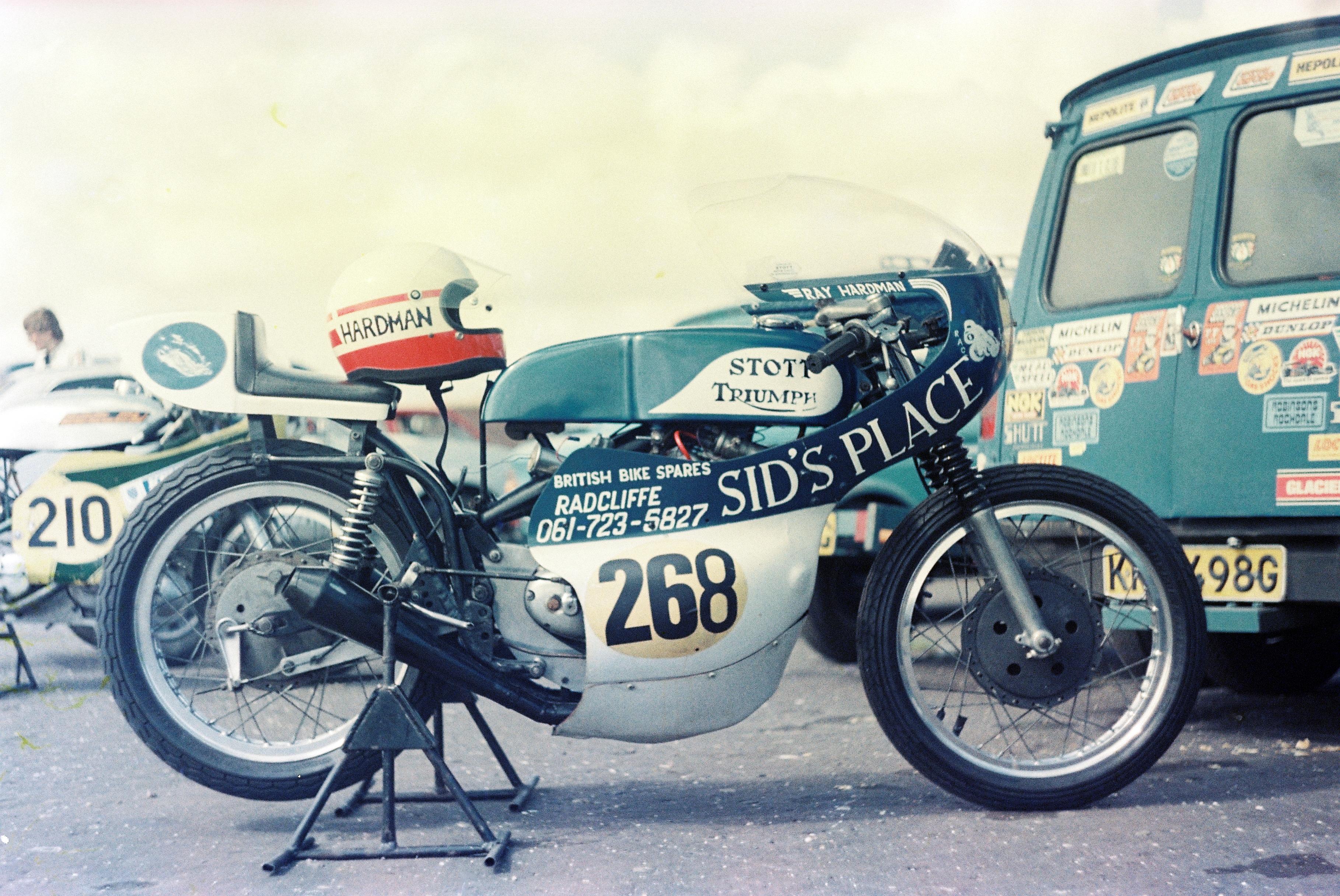 Rays Escort van and Tri-macchi racer