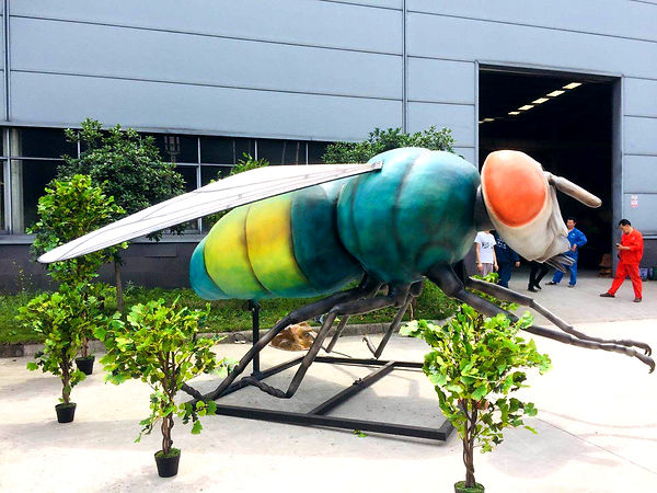 Выставка гигантских насекомых 01.jpg