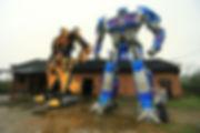 Персонажи роботов трансформеров из металла