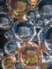 Декорации помещения зеркальными шарами.j