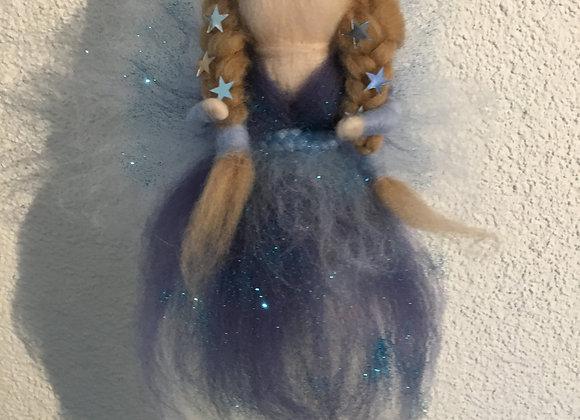 Fee aus Märchenwolle Grösse L