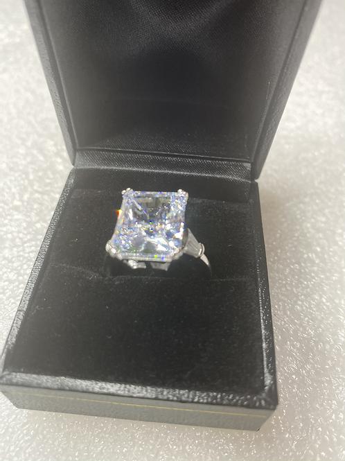 Lady Diana Ring