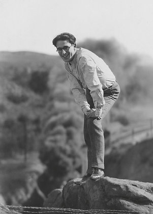 Postkarte: Harold Lloyd am Set