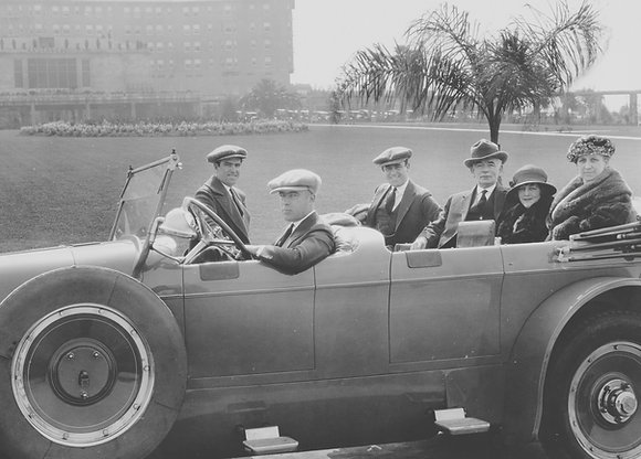 Postkarte: Harold Lloyd und Familie