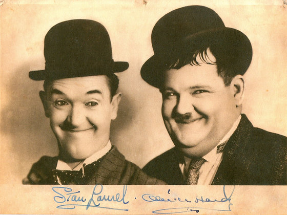 Postkarte: Laurel & Hardy-Autogramm