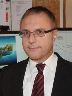 Dr Peter Sonntagbauer