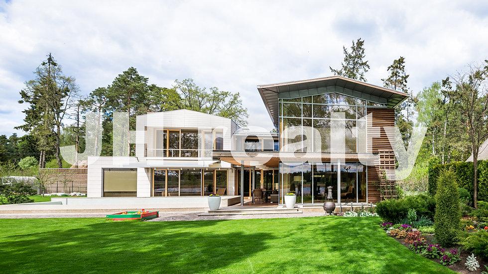 Аренда современного дома с бассейном на берегу реки, в Валтери