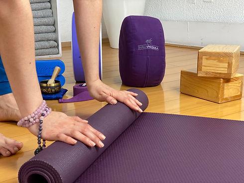 como-empezar-a-hacer-yoga.jpg