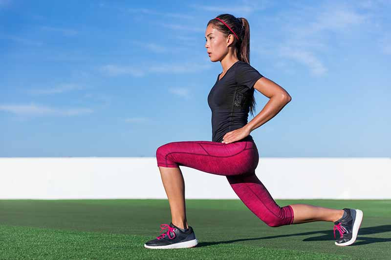 Lunges are ideal for a dynamic warm up