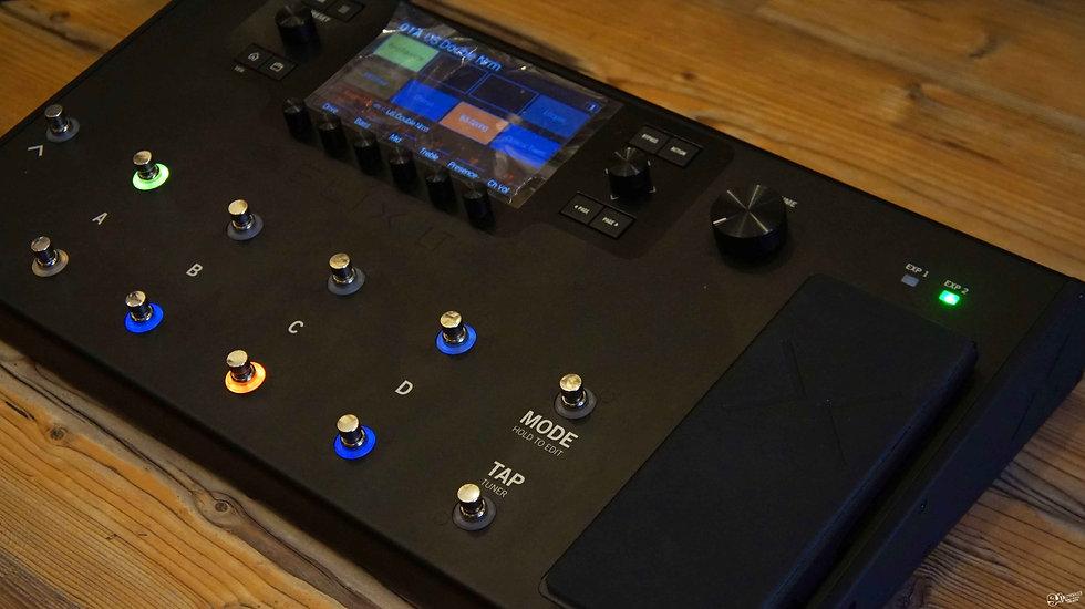 Line 6 Helix LT | Streamlined HX Multi-Effects Guitar Processor