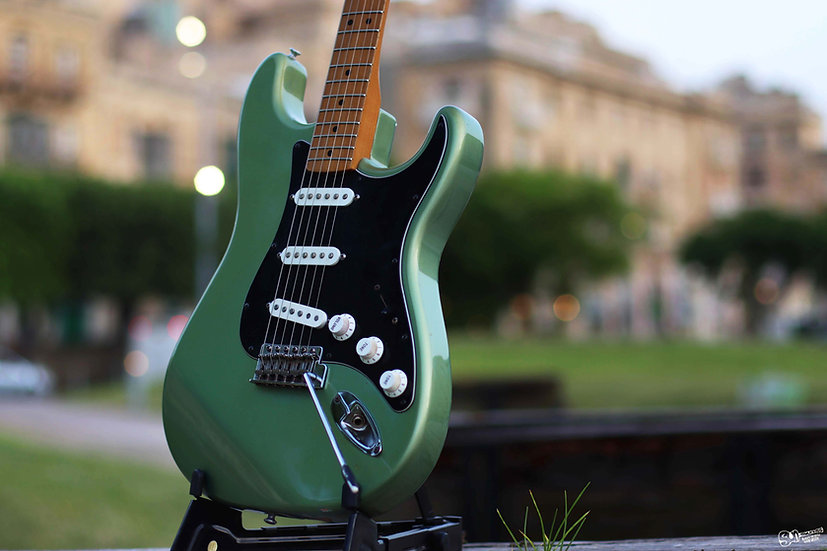 Fender Stratocaster   2002   MIM