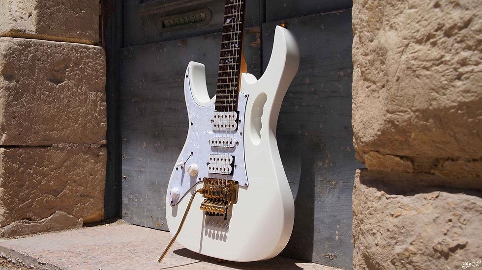 ibanez guitars malta