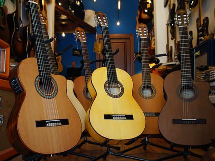 Manuel Rodriguez Guitars @ Sun-Sounds!