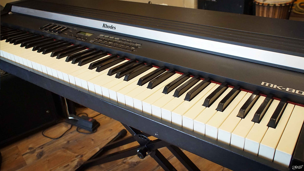 ROLAND (Rhodes) MK-80 | Weighted-action 88-key Digital Piano