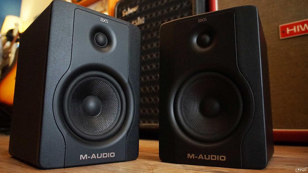 M-Audio BX5 D2 Studio Monitors   70-Watt