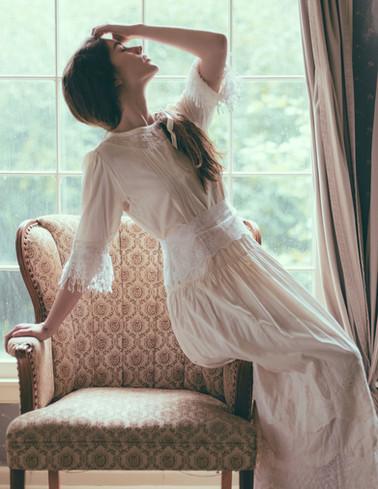 Elegant Magazine Editorial Farmhouse Kansas City Bella Donna Model