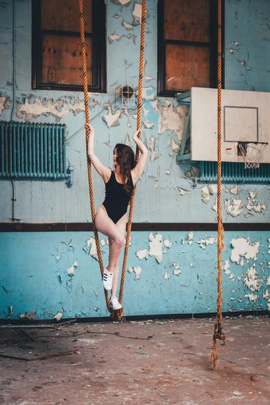 kansas city model bella donna abandoned school photoshoot workout