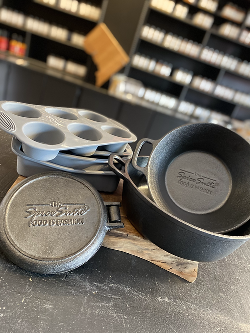 Cast Iron + Silicone Box